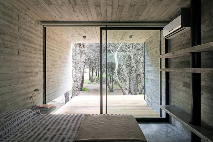 Casas de estilo  por Chalets & Lofts