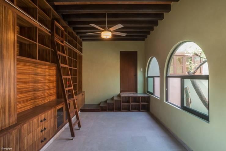 CASA MARMOL: Casas de estilo moderno por LUIS GRACIA ARQUITECTURA + DISEÑO