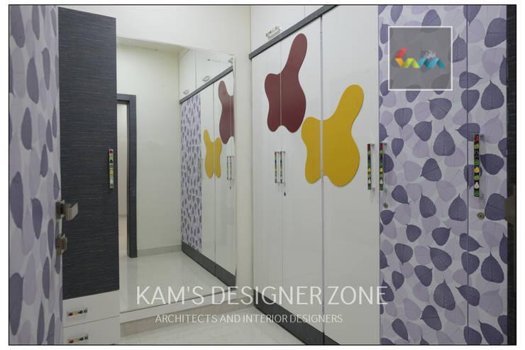 Dressing Room Design:  Dressing room by KAM'S DESIGNER ZONE
