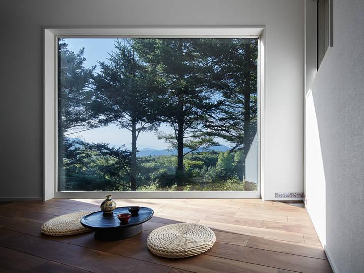 Projekty,  Pokój multimedialny zaprojektowane przez 久保田章敬建築研究所