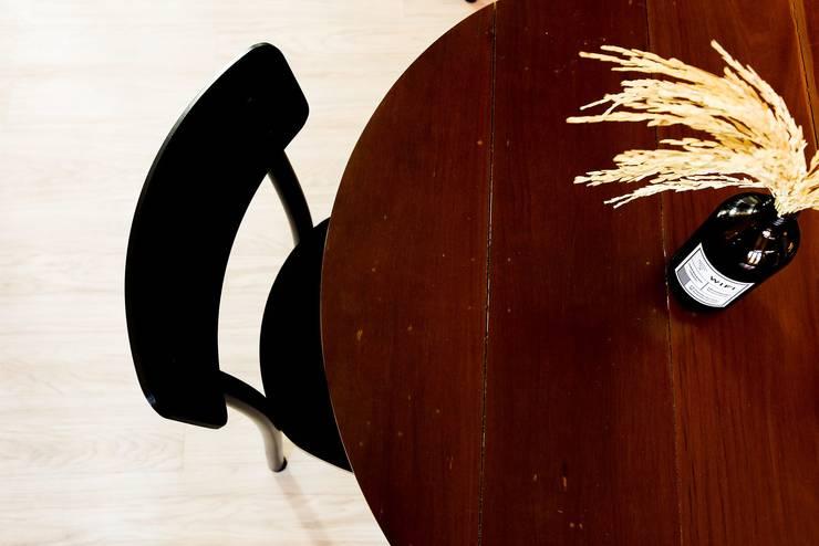 Origmi Cafe :   by Monolinedesign Studio