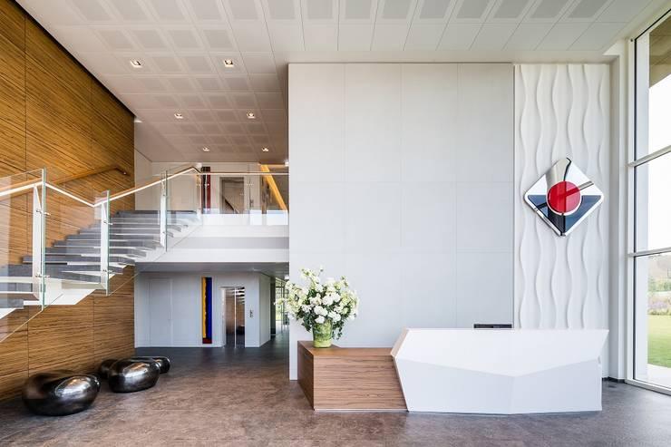Edificios de oficinas de estilo  por Studio Simonetti