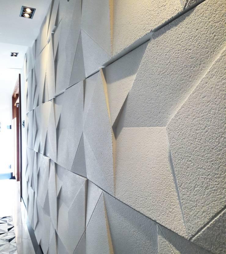 Couloir et hall d'entrée de style  par Lucio Nocito Arquitetura e Design de Interiores