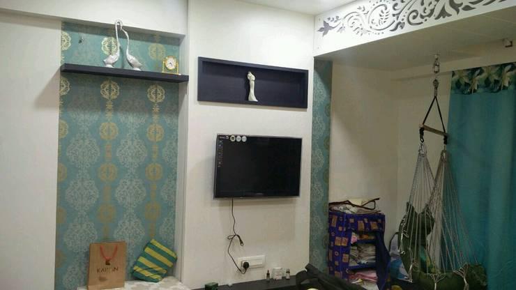 LCD unit design in Bedroom:   by Ar. Ananya Agarwal