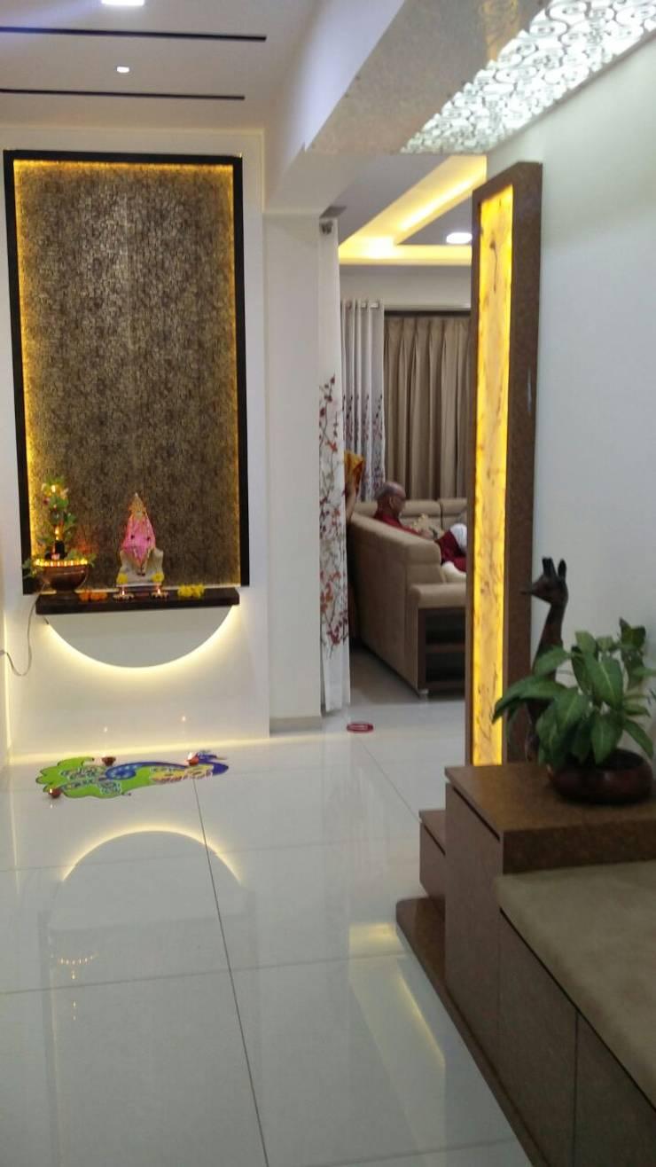 Entrance foyer:   by Ar. Ananya Agarwal