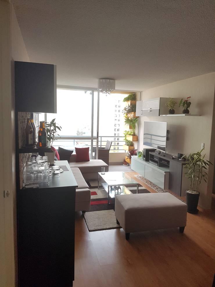 Departamento 87 m2 San Miguel – Lima: Sala multimedia de estilo  por Raúl Zamora