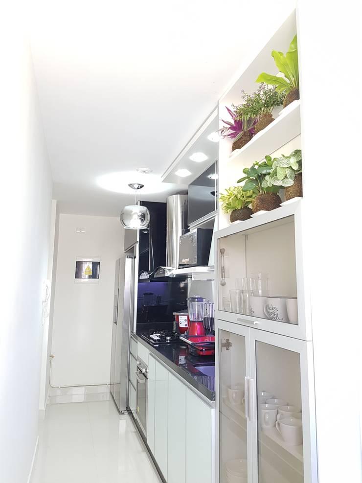Departamento 87 m2 San Miguel – Lima: Cocina de estilo  por Raúl Zamora