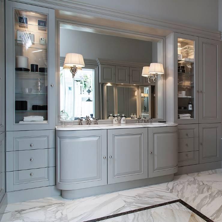 Классическая мебель для ванной комнаты: Ванные комнаты в . Автор – Магазин сантехники Aqua24.ru