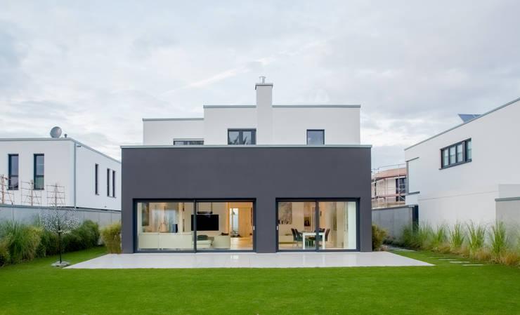 moderne Huizen door Ferreira | Verfürth Architekten