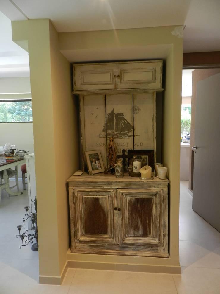 Casa en bario cerrado- Diseño de muebles personalizado: Comedores de estilo  por Sepia reciclados,