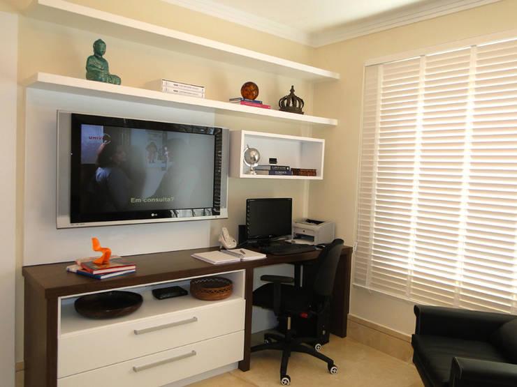 Estudios y oficinas de estilo  por Priscila Boldrini Design e Arquitetura