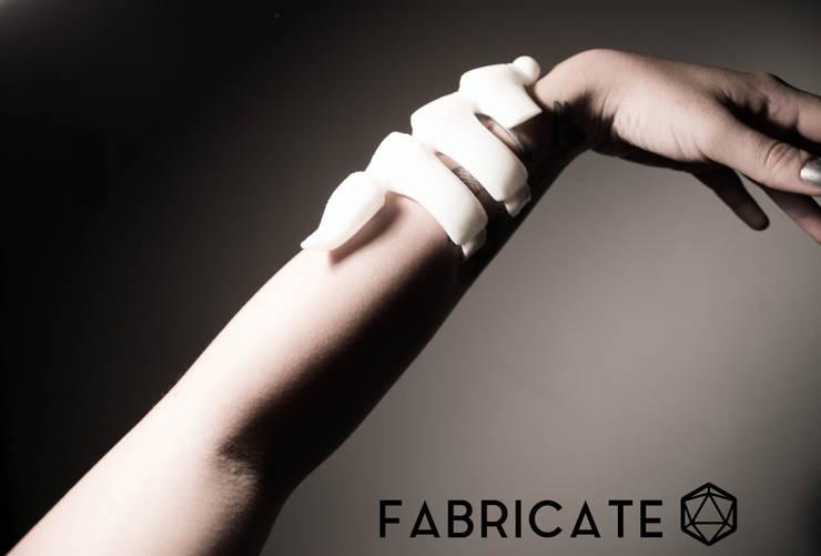 .Brazalete escorpión de Fabric3D