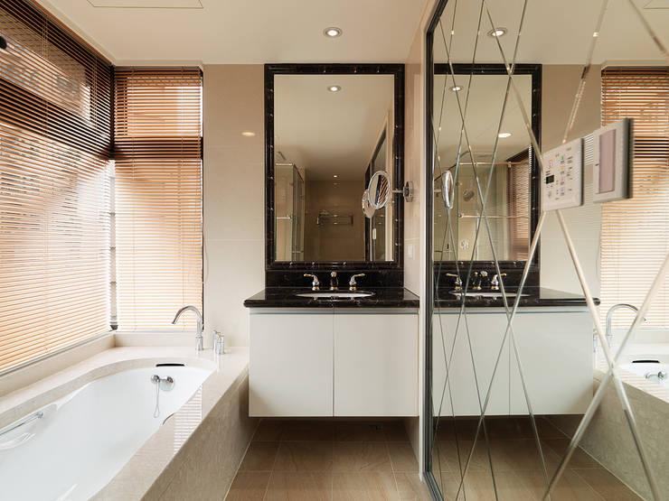 微醺輕古典 用線條勾勒不平凡!:  浴室 by 大集國際室內裝修設計工程有限公司
