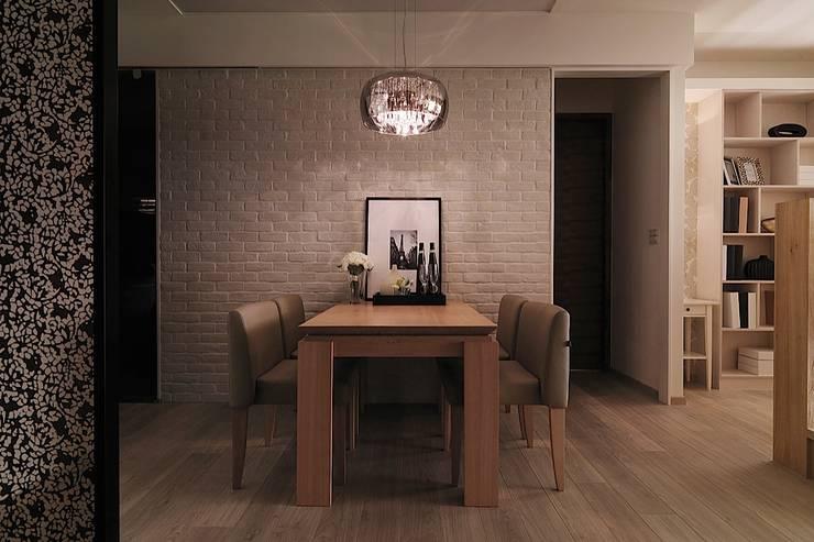 好悠閒~這樣的北歐風格才夠味!:  餐廳 by 大集國際室內裝修設計工程有限公司