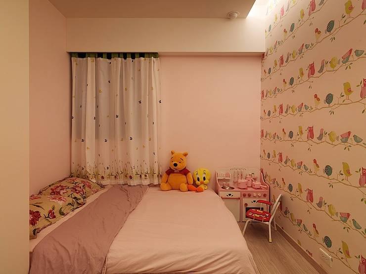 好悠閒~這樣的北歐風格才夠味!:  嬰兒房/兒童房 by 大集國際室內裝修設計工程有限公司