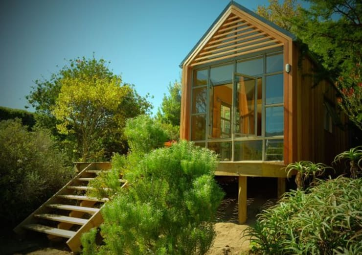 Greenpods model 18+ :  Houses by Greenpods, Scandinavian Solid Wood Multicolored