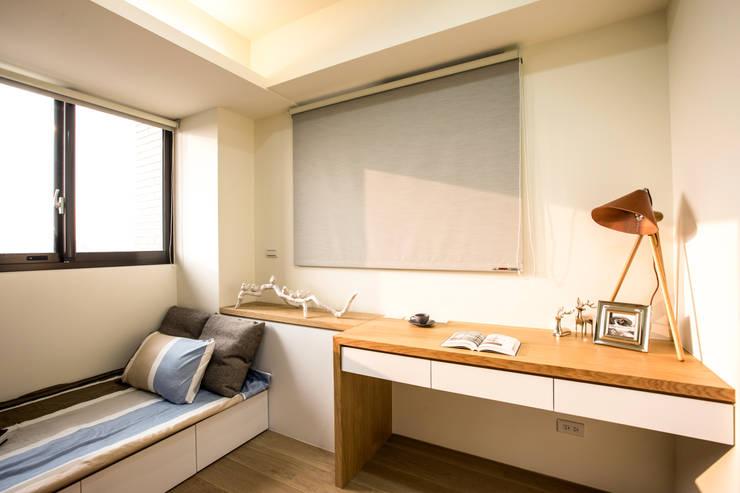 侑信仁和 9A:  嬰兒房/兒童房 by 栩 室內設計