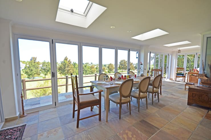 dining room terrace:  Dining room by Till Manecke:Architect