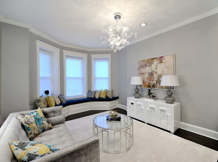 Renovation on 82nd Street:  Living room by KBR Design and Build