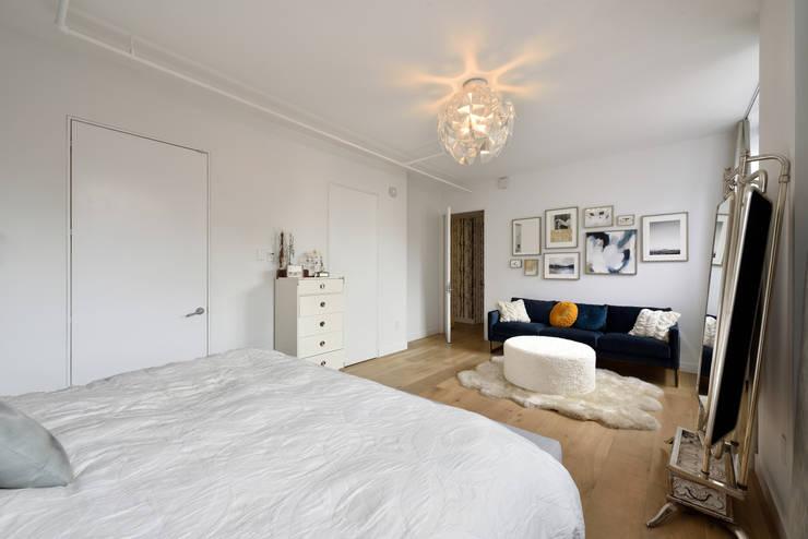 Renovation at 7 Wooster:  Bedroom by KBR Design and Build