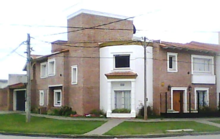Vivienda unifamiliar: Casas de estilo  por Valy,
