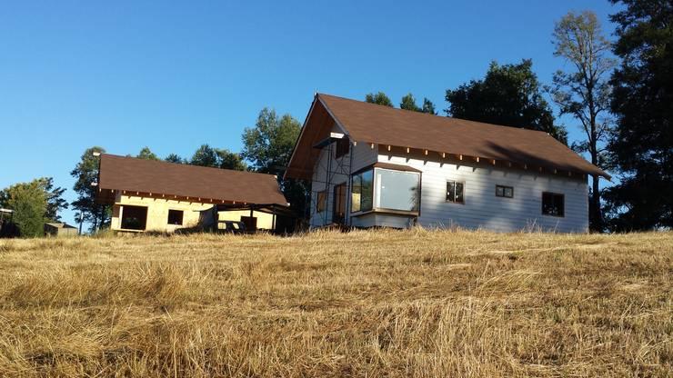 Cabaña Ñancul: Casas de estilo  por Arquitectura y Construcción Chinquel