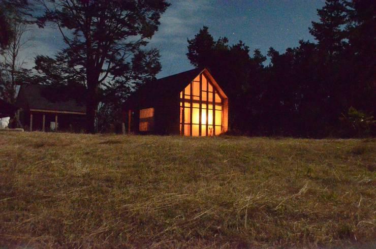 Refugio en Lago calafquen, Islas balboa: Casas de estilo  por Studio Himmer