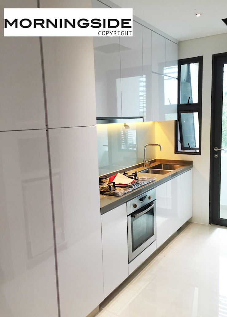 THOMSON ROAD PENTHOUSE CONDO UNIT:  Kitchen by MORNINGSIDE PTE LTD,