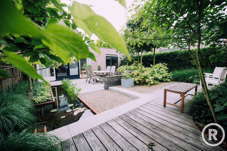 Giardino moderno di De Rooy Hoveniers Moderno