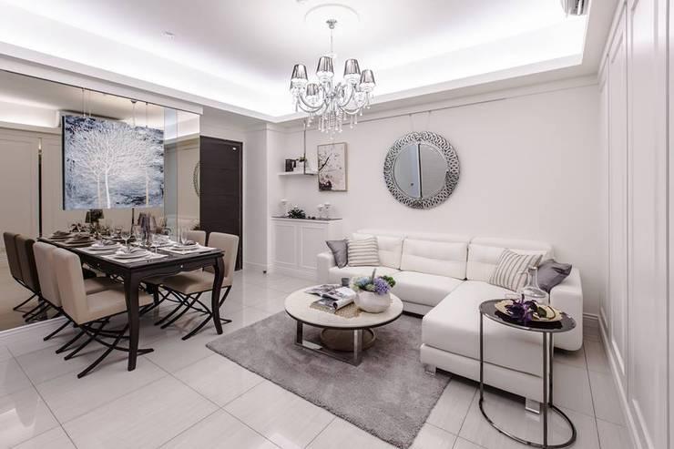 水晶吊燈:  客廳 by 你你空間設計