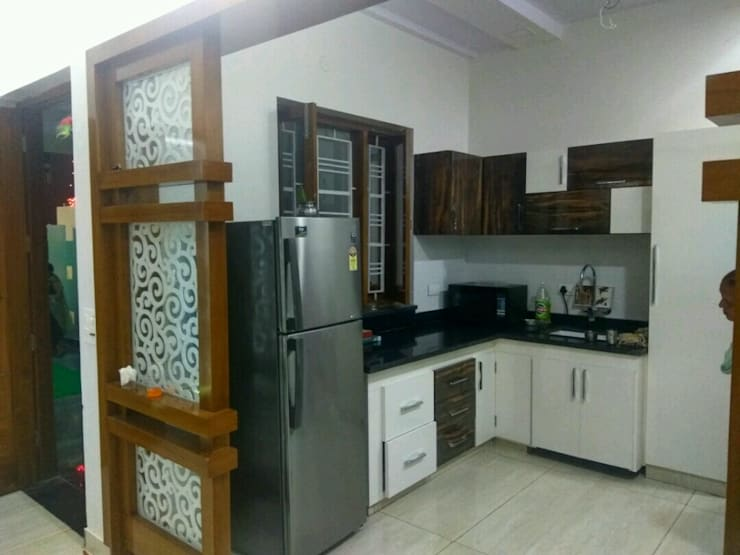 MR. VINOD GARG HOUSE AT FATEHABAD: modern Kitchen by Dream Homes Architect