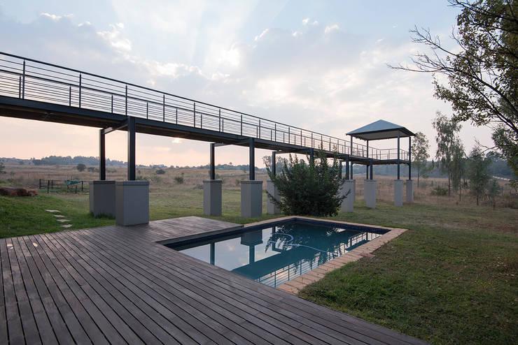 House Zwavelpoort AH:  Pool by Metako Projex, Country