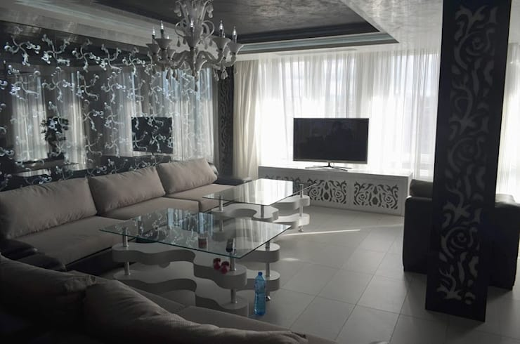 APARTMENT VD SOFIA:  Living room by eNArch.info