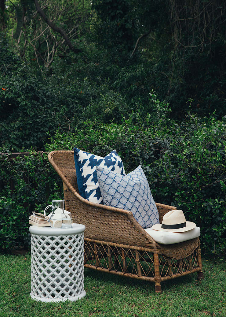 Westville Eclectic style garden by Taryn Flanagan Interiors Eclectic
