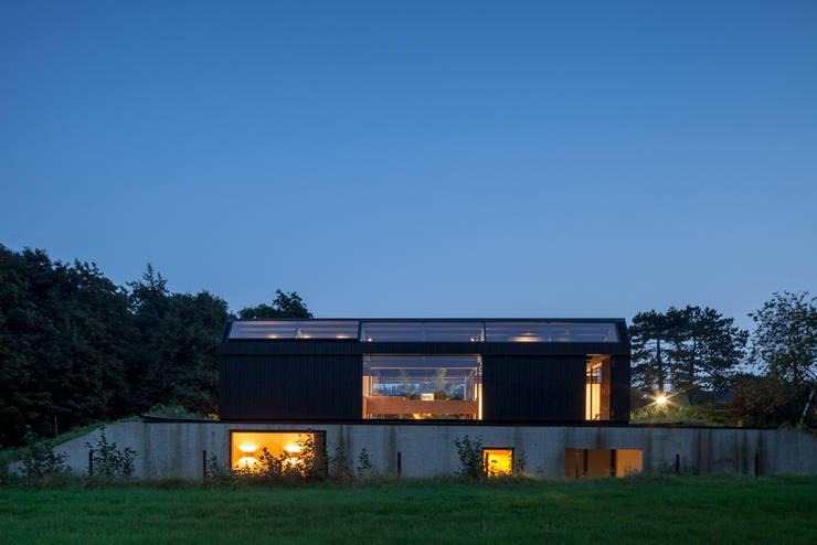 Villa Schoorl:  Huizen door Architectenbureau Paul de Ruiter