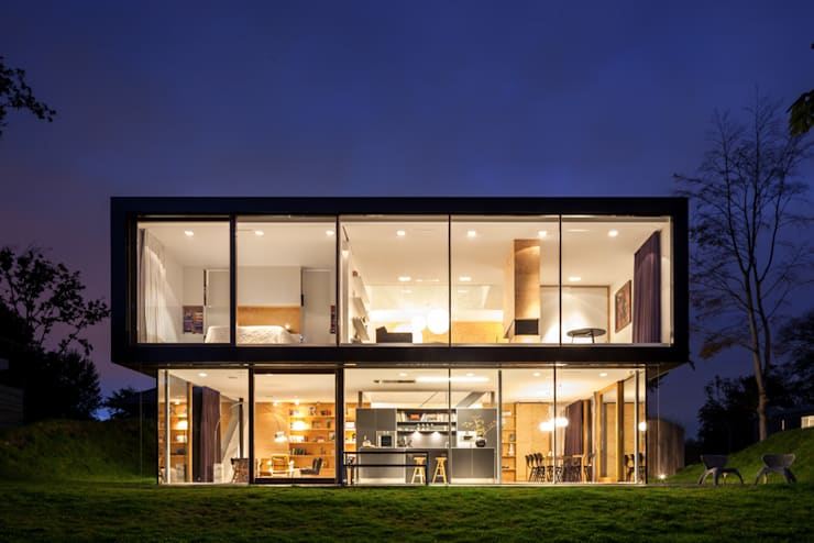 Villa V:  Huizen door Architectenbureau Paul de Ruiter, Minimalistisch