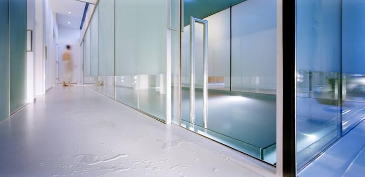 Villa Deys:  Zwembad door Architectenbureau Paul de Ruiter