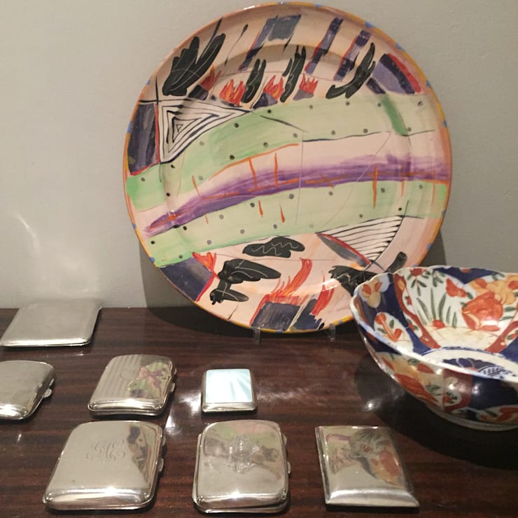 Table Objet d' Art: eclectic  by Claire Cartner Interior Design, Eclectic Silver/Gold