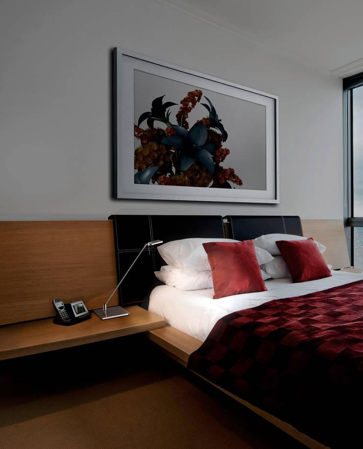 DEL REF.PS-075: Dormitorios de estilo  de Pujol Iluminacion