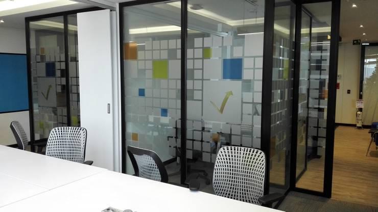 OFICINA ABIERTA : Edificios de oficinas de estilo  por IngeniARQ,