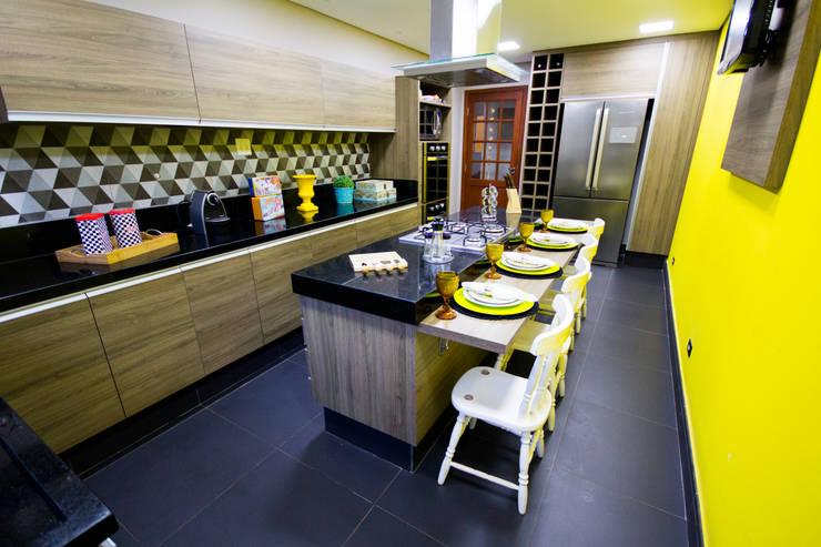 Cocinas de estilo  por Amanda Matarazzo Interiores