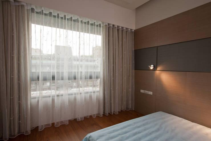 窗簾 / 窗紗:  臥室 by 敦閣織品股份有限公司