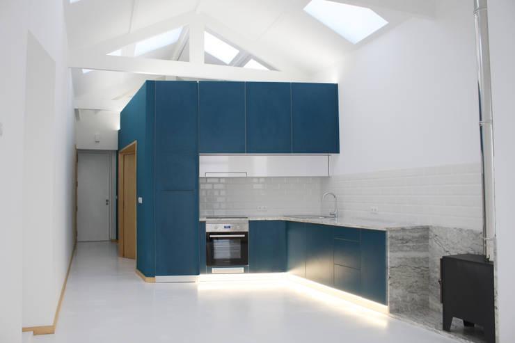Built-in kitchens by GRAU.ZERO Arquitectura, Minimalist