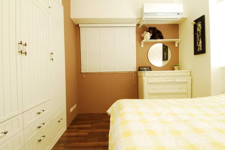 南歐鄉村:  臥室 by 浩司室內裝修設計有限公司 HOUSE INTERIOR DESIGN