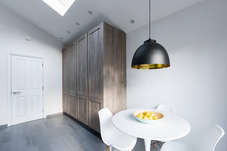 Kitchen by Grand Design London Ltd, Modern