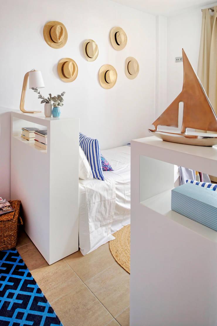 Casa de playa. Alicante: Dormitorios de estilo  de itta estudio