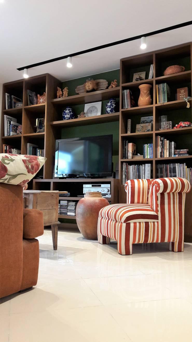 Salon de style  par Lucio Nocito Arquitetura e Design de Interiores