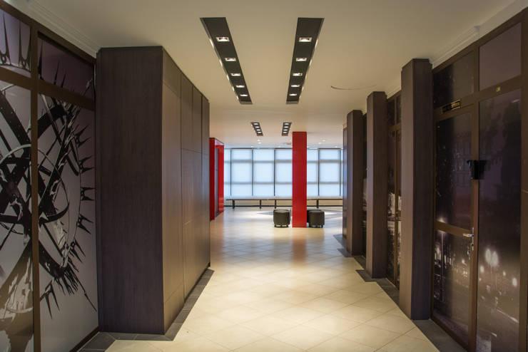 OAB Subseção de Passo Fundo RS: Edifícios comerciais  por Carla Almeida Arquitetura,Clássico