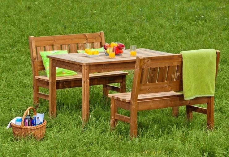 Set da giardino Tavolo + 2 Panche: Giardino in stile  di ONLYWOOD