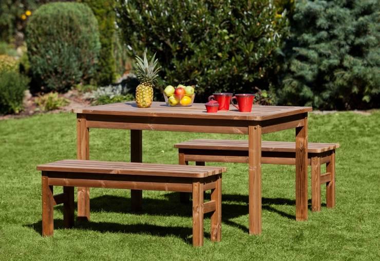 Set da giardino Tavolo + 2 Panche senza schienale: Giardino in stile  di ONLYWOOD